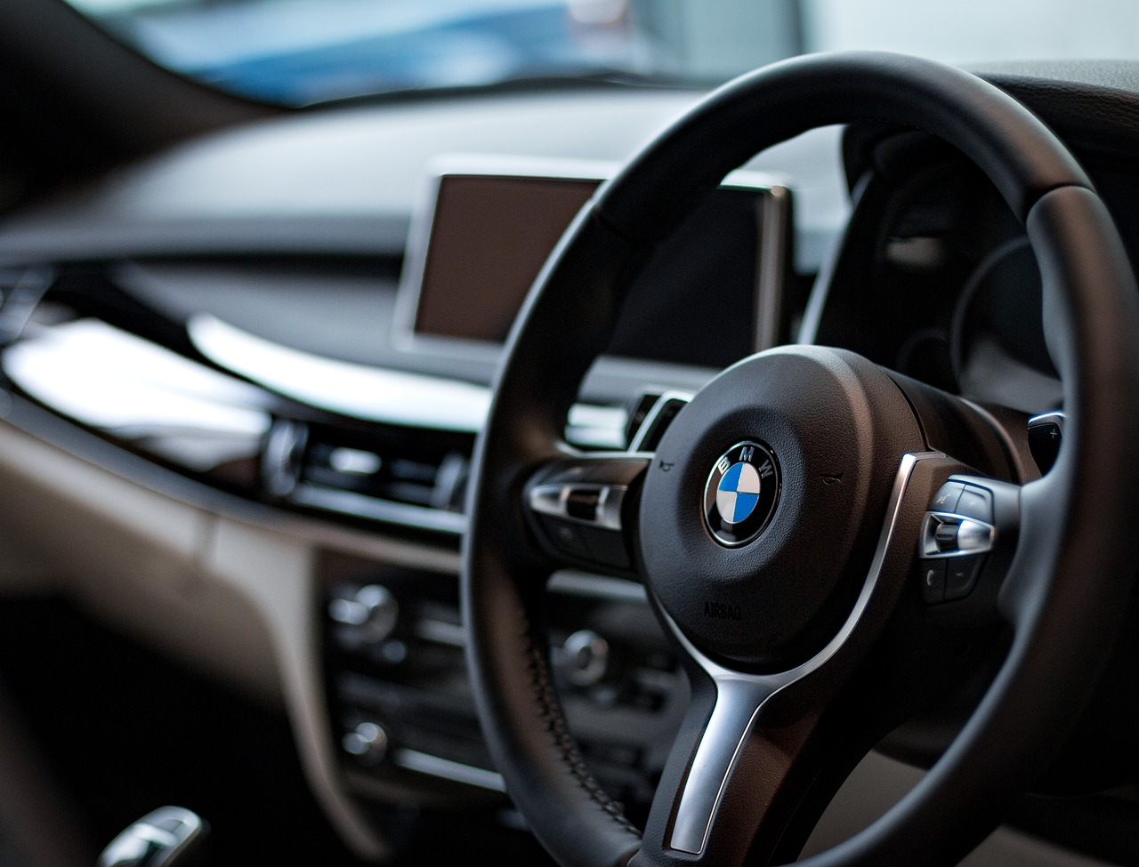 Jak zabezpieczyć samochód luksusowy przez kradzieżą?
