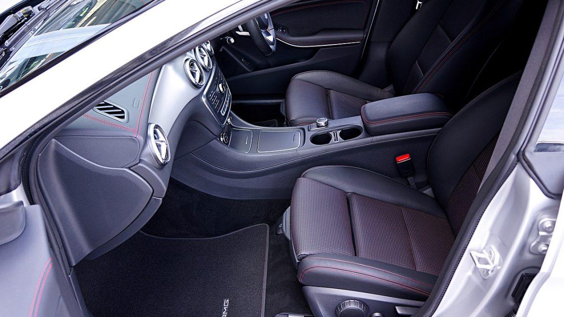 Gumowe dywaniki do twojego samochodu