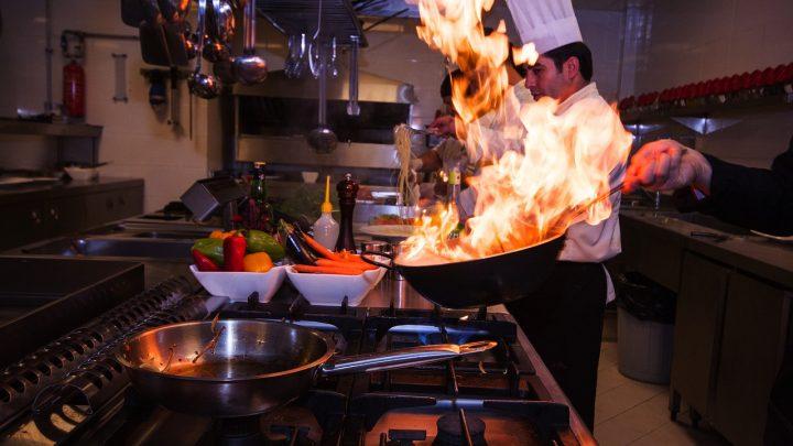 Patelnie gastronomiczne: profesjonalne wyposażenie restauracji