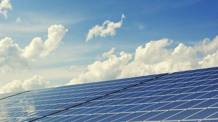 Panele słoneczne i system on-grid – charakterystyka