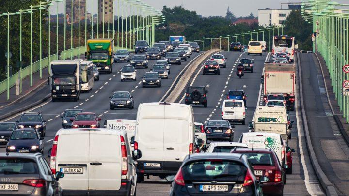 Auto dostawcze – podstawowe informacje